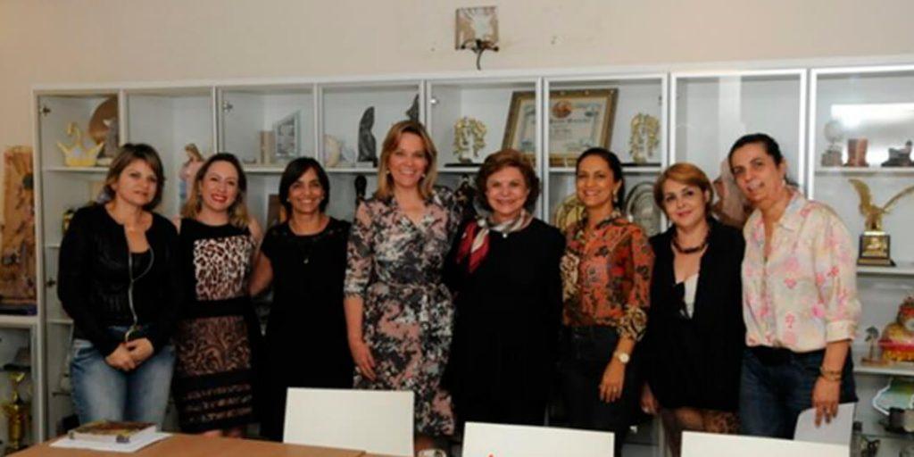 A campanha é uma iniciativa da bancada feminina do Congresso Nacional e está sendo lançada em todos os estados brasileiros e deverá ter veiculação em spot de rádio e cartazes.