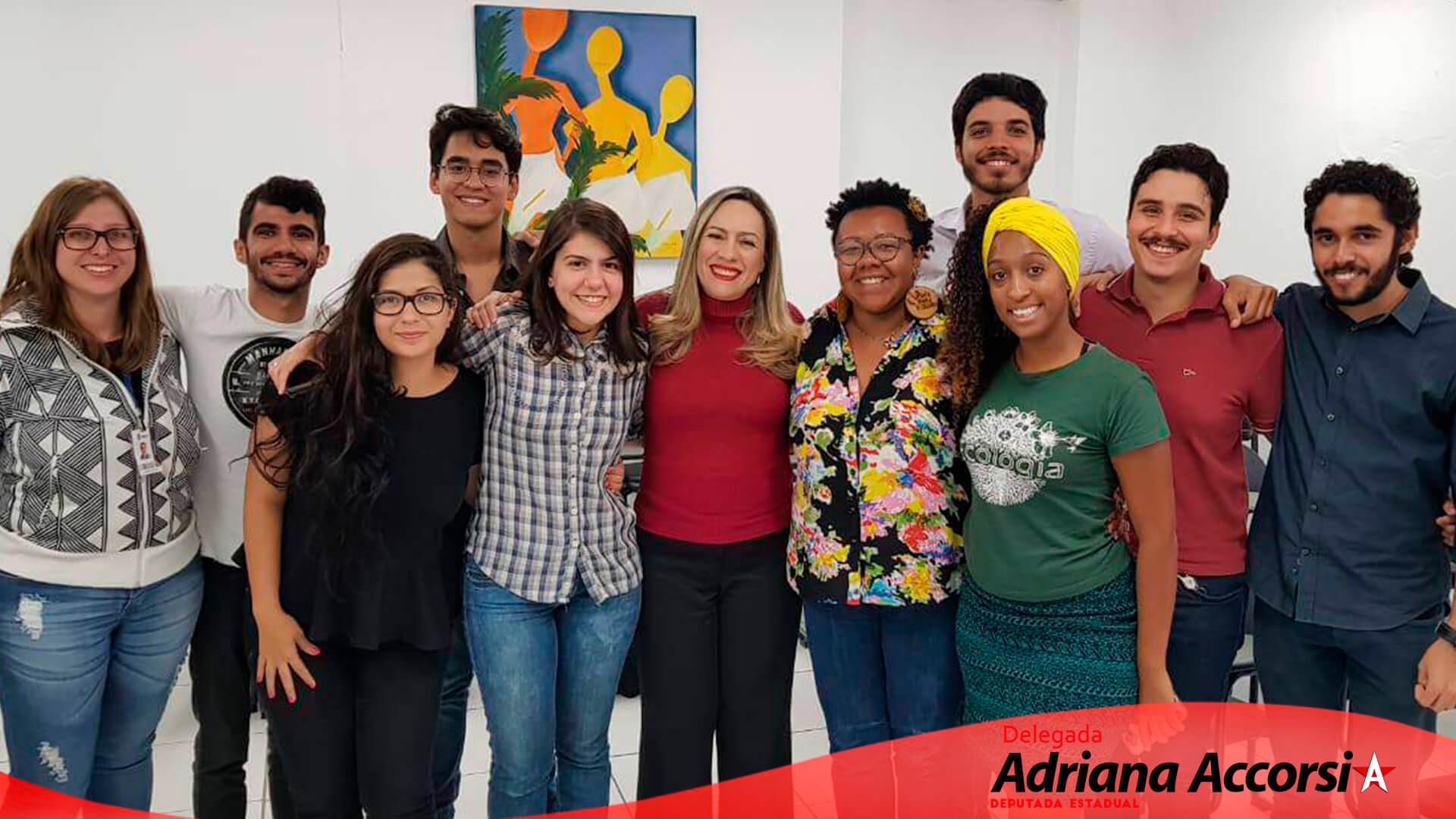 Reunião de jovens do Projeto Politizar