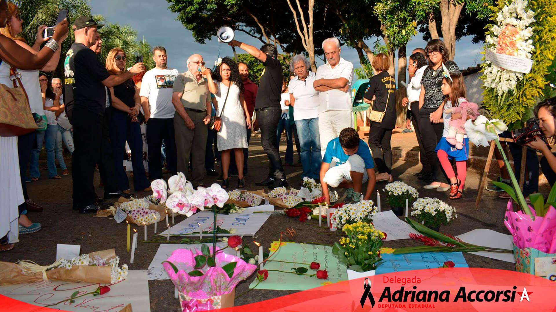 Ato em solidariedade às famílias dos adolescentes mortos no incêndio do CIP