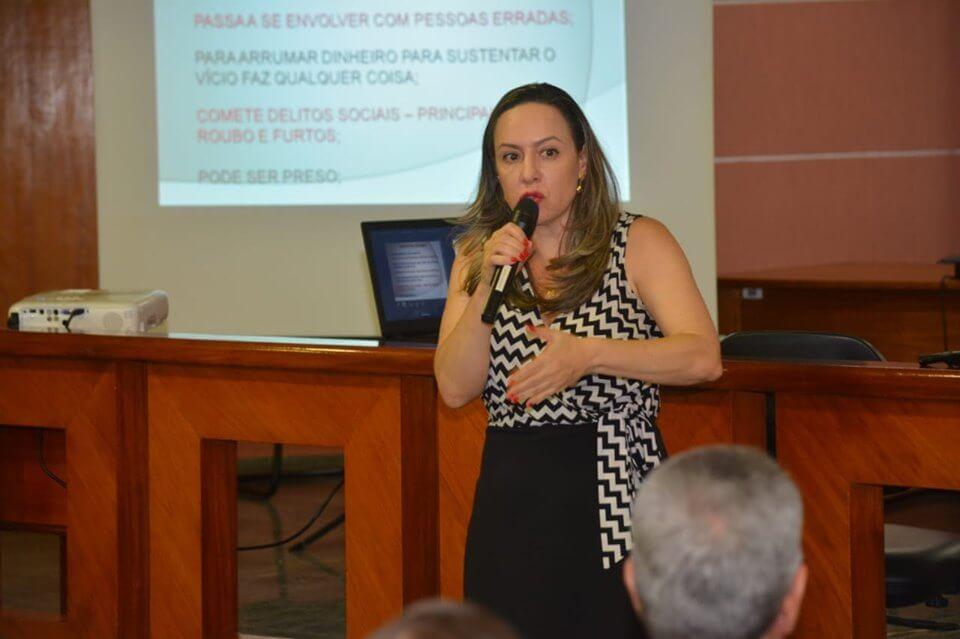 O objetivo do Encontro foi auxiliar e orientar a Rede de Proteção à Infância e o Poder Público no atendimento de casos de Drogadição e Internação Compulsória na Adolescência