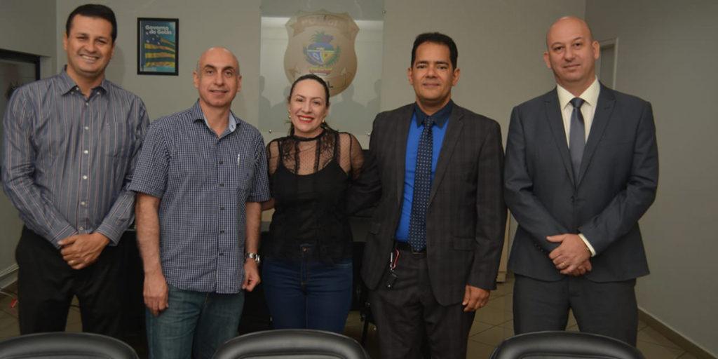 Adriana Accorsi esteve com o Secretário da Casa Civil e o Vice-Governador para solicitar a convocação dos novos delegados aprovados em concurso