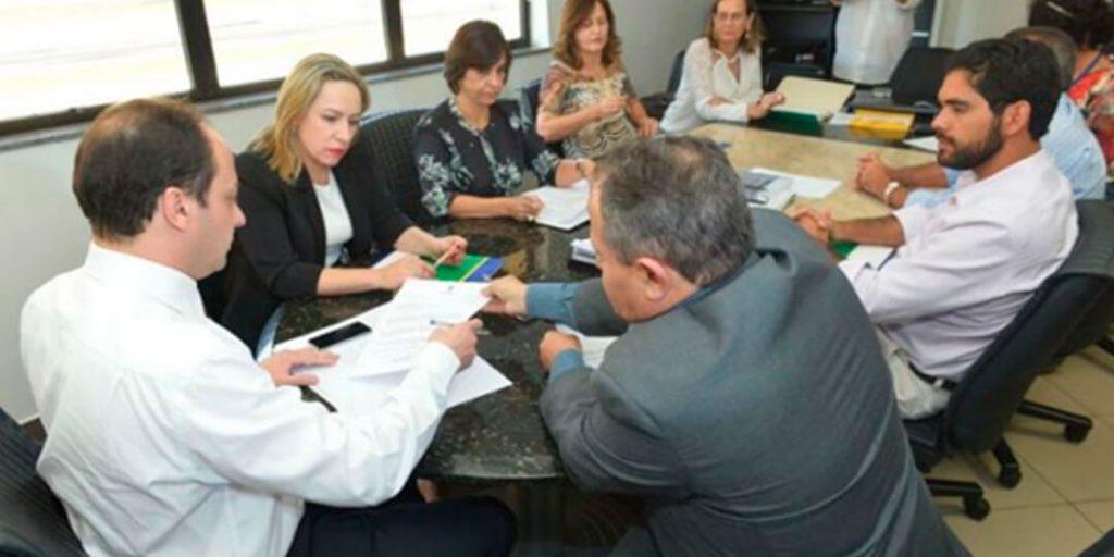 Delegada Adriana Accorsi visita a Secretaria de Segurança Pública de Goiás