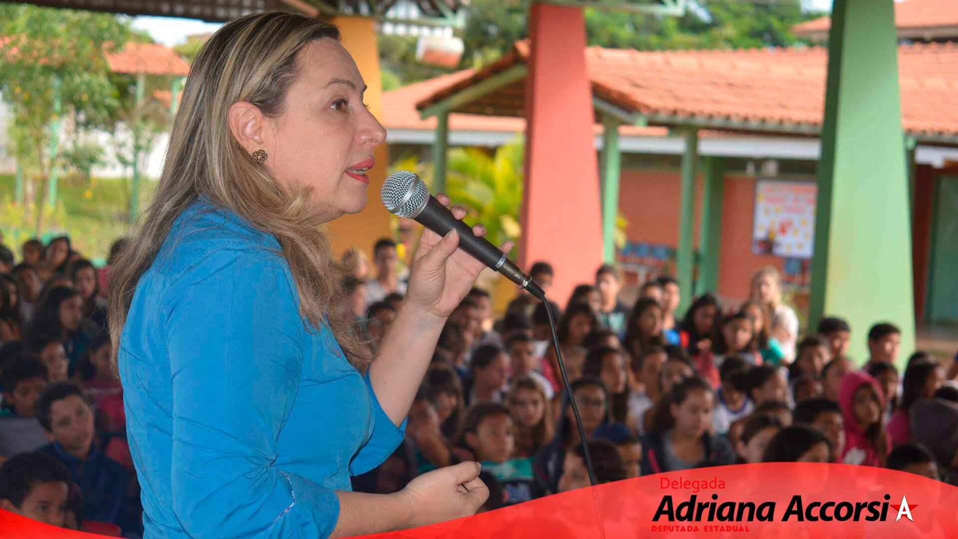 Palestra na Escola Municipal Residencial Orlando De Morais, sobre o combate a violência contra crianças e adolescentes, a convite do professor Sandro Martins.