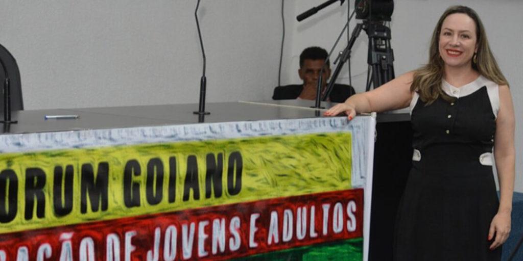 A Secretária Fátima Gavioli, garantiu que o EJA Presencial não será extinto, e que o objetivo é oferecer as duas modalidades de ensino.