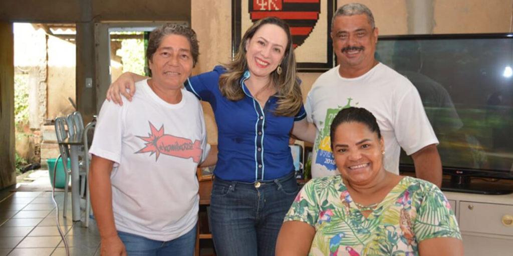 A deputada também esteve presentes em outras cidades do estado de Goiás, começando pela cidade de Senador Canedo e posteriormente em Araçu