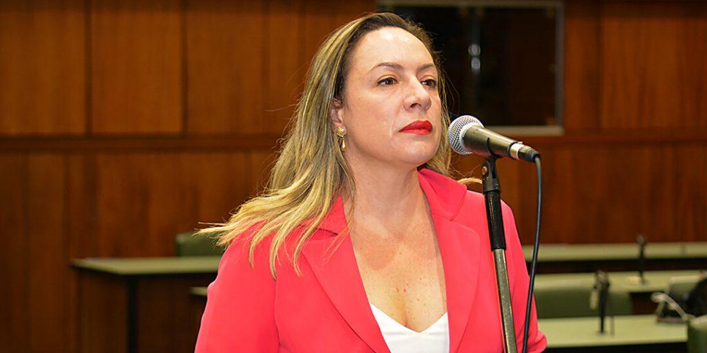 A CCJ aprovou projeto de lei de minha autoria que prevê que se dê prioridade em investigações de crimes contra a vida e desaparecimentos de crianças e adolescentes em Goiás